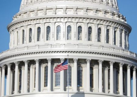 مجلس نمایندگان آمریکا همچنان تعطیل است؛ سنا در مسیر بازگشت