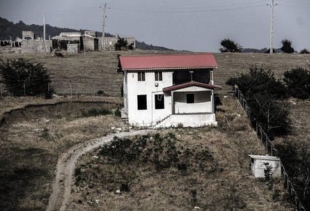 زمینخواران باید با قوانین سختگیرانهتری روبرو شوند