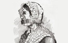 شکنجه دردناک زنان اروپایی بخاطر پرحرفی + عکس