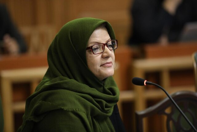 بهبود رفتار تهرانی ها در عدم رهاکردن ماسک و دستکش در معابر