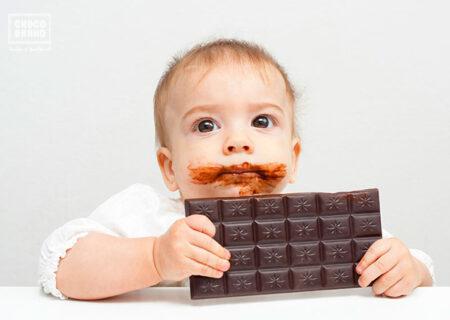 کودکان زیر یک سال را با طعم شکلات آشنا نکنید