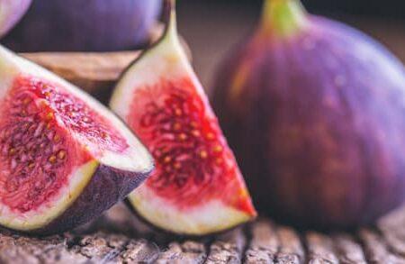 میوههایی که به هضم غذا کمک میکنند